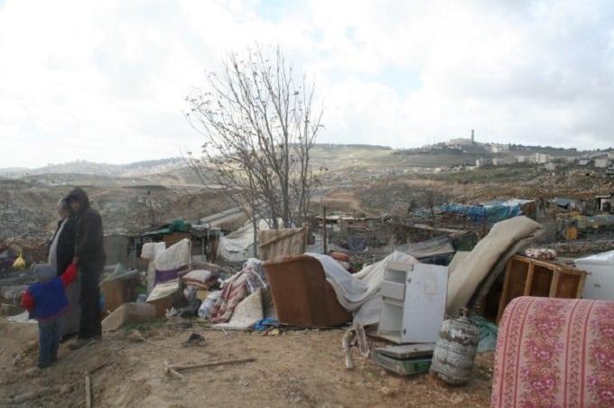 Netanyahu ordina la demolizione di strutture mobili distribuite dall'UE a Gerusalemme Est