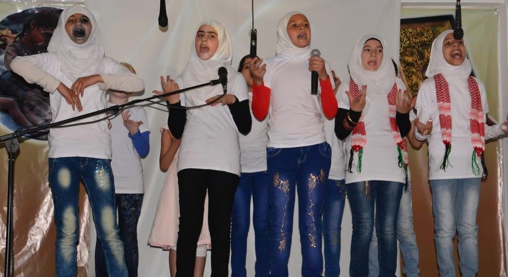 Mafraq: la recita scolastica dei bambini della scuola!