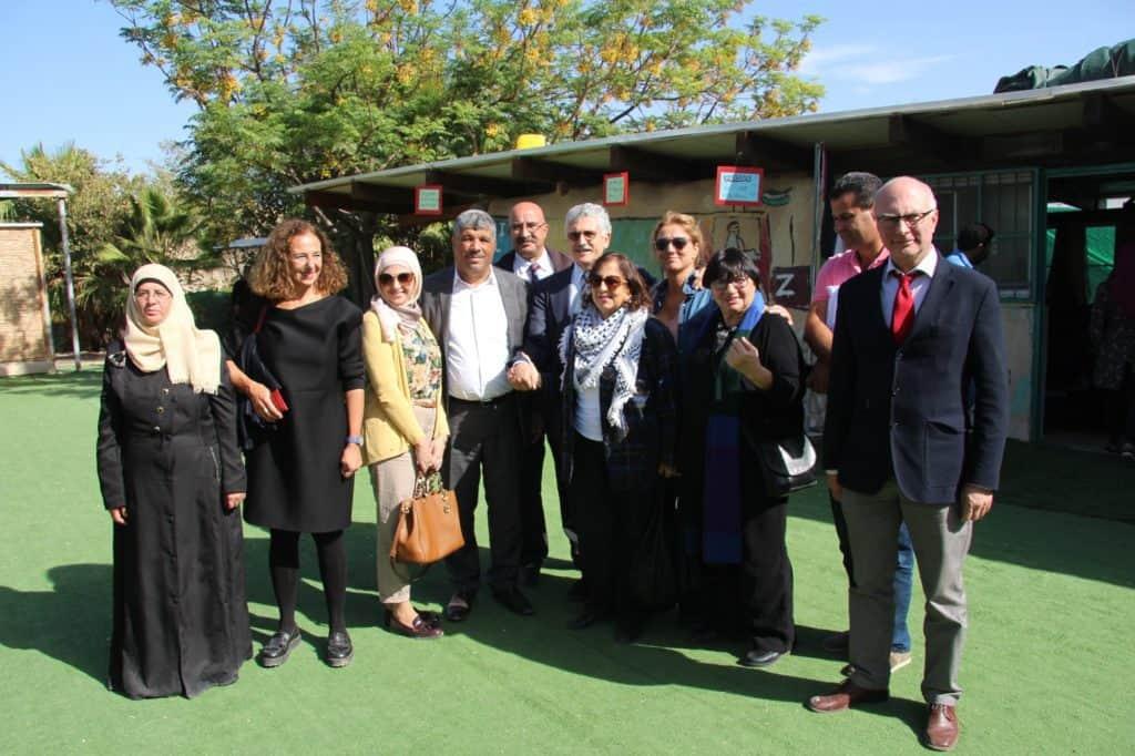 Delegazione internazionale per salvare la Scuola di Gomme
