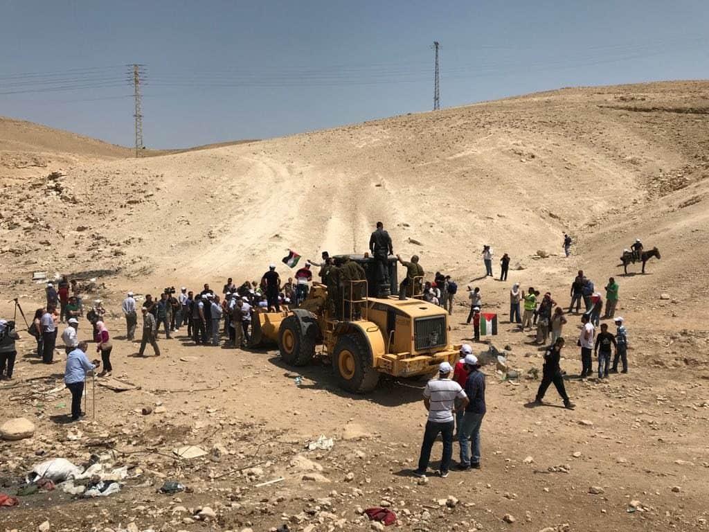 Arrivano le ruspe nel villaggio di Khan al Ahmar